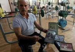"""الربّاع العتيق """"أبو طارق"""".. يتحدّى شيبَ السبعين بالرياضة"""