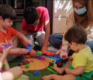 """فيديو/ هُنا زين .. صانعة ألعاب الأطفال """"الصحية"""""""
